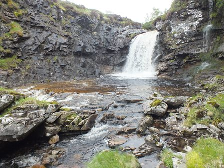 Eidart waterfall, Duncan assures me he has seen salmon at this point, bbut never above! It is 30-40' high.