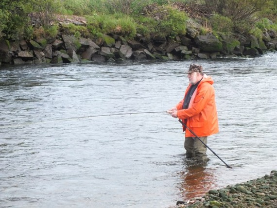 Jim Mackie, looking every inch the traditional Spey finnock fisher.
